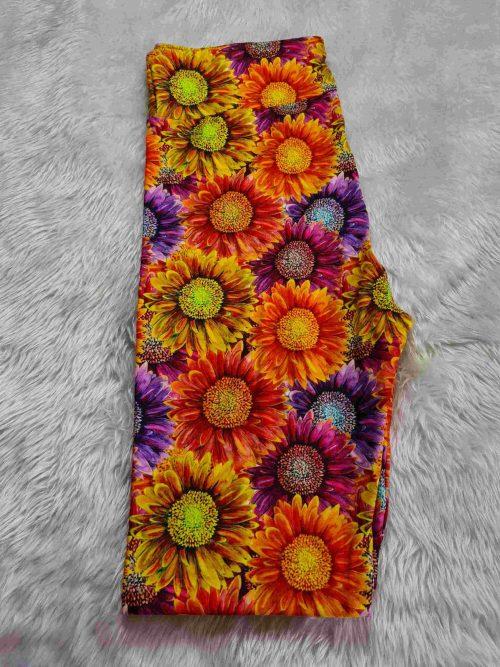 Wall Of SunFlower Printed Capri Length Yoga Band Leggings